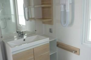 Salle d'eau mobil-home camping le galet marseillan-plage