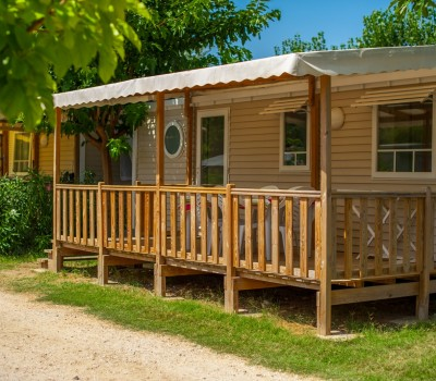 terrasse camping le galet marseillan-plage mobil-home 3 chambre climatisé